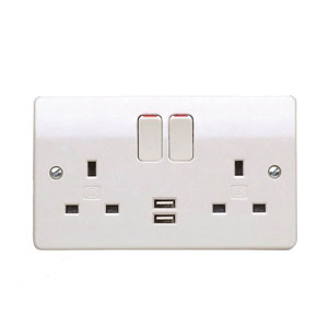 2GANG SWITCH SOCKET C/W 2XUSB