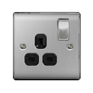 SOCKET 1GANG SWITCHED BRUSHED STEEL