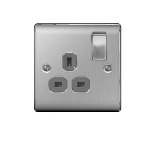 SOCKET 1GANG SWITCHED BRUSH CHROME