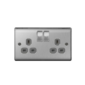SOCKET 2GANG SWITCHED BRUSH CHROME