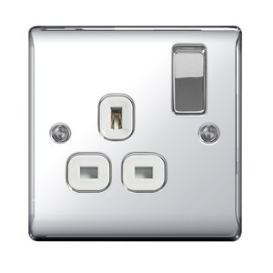 SOCKET 1GANG SWITCHED POLISHED CHROME
