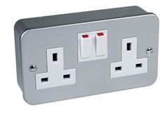 METAL CLAD 2GANG SWITCHED  SOCKET